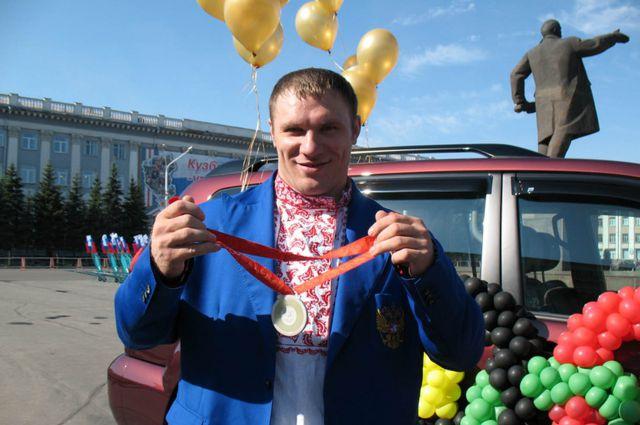 Евгений Чигишев - бронзовый призёр XXIX ЛОИ (фото из фондов музея ФиСК).