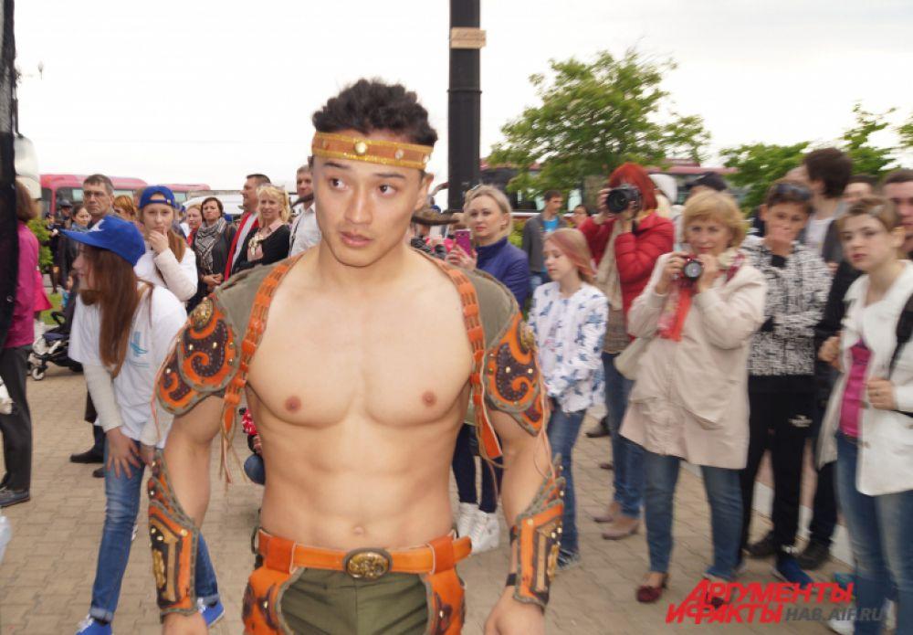 Монгольский циркач Лхага.