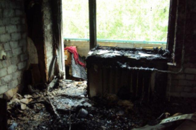 Пожар произошел в квартире шестиэтажного дома