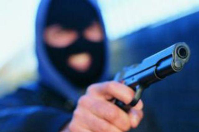 ВЗапорожской области четверо вооруженных людей вмасках ограбили банк