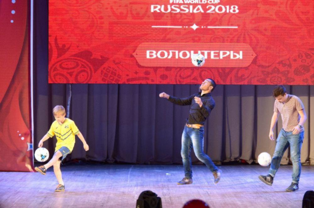 В конгресс-холле ДГТУ десь состоялся праздничный концерт и телемост с главной церемонией в Москвой.
