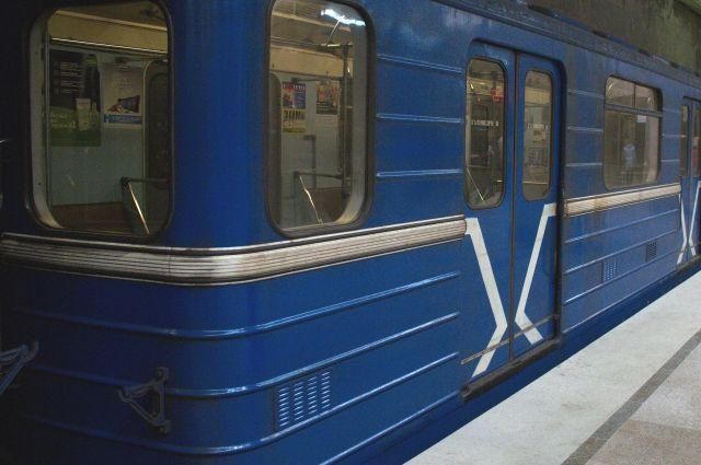 Поезд нижегородского метро