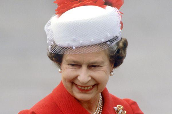 В 1981 году произошло безуспешное покушение на Елизавету II во время военного парада в честь дня рождения королевы.