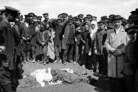 Жертва давки на Ходынском поле во время торжеств по случаю коронования Николая II. 18 (30) мая 1896 г.