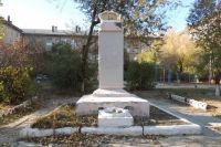 Так выглядел памятник в 2014 году, до реставрации.