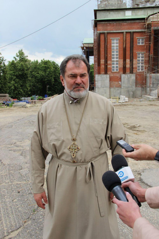 Стройкой руководит протоиерей Иоанн Яворский.