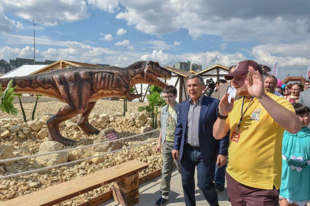 Рустам Минниханов лично принял участие в открытии парка.