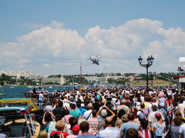 Одним из самых запоминающихся моментов стал индивидуальный пилотаж на вертолете Ка-52
