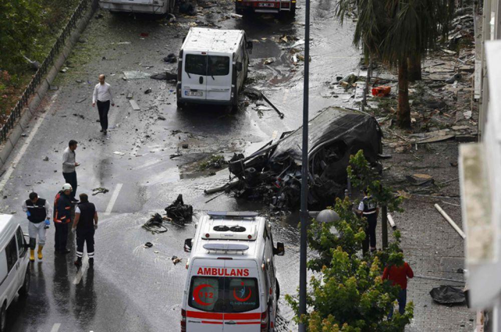 Предположительно, подорвана была самодельная бомба с дистанционным управлением.
