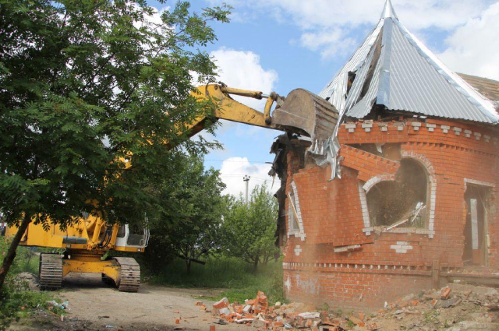 """При сносе """"второй партии"""" уничтожить пришлось и два кирпичных дома"""