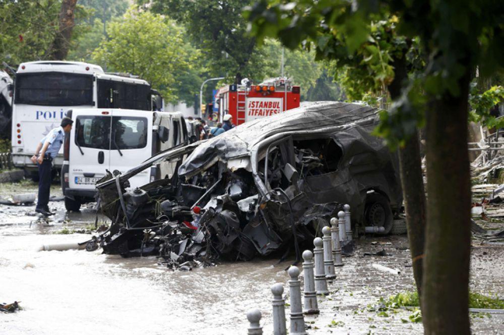 Целью террористов был автобус полицейского спецназа, проезжавший мимо.