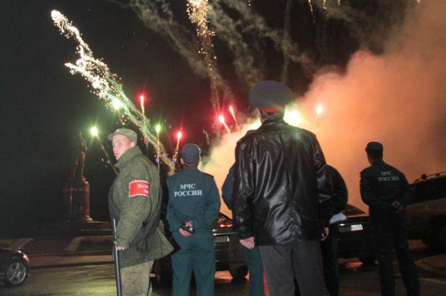 Салют в Нижнем Новгороде всегда под неусыпным вниманием полиции и МЧС.