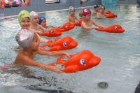 Занятия в бассейне для детей - в радость и на здоровье. Вот только не все бассейны теперь работают..
