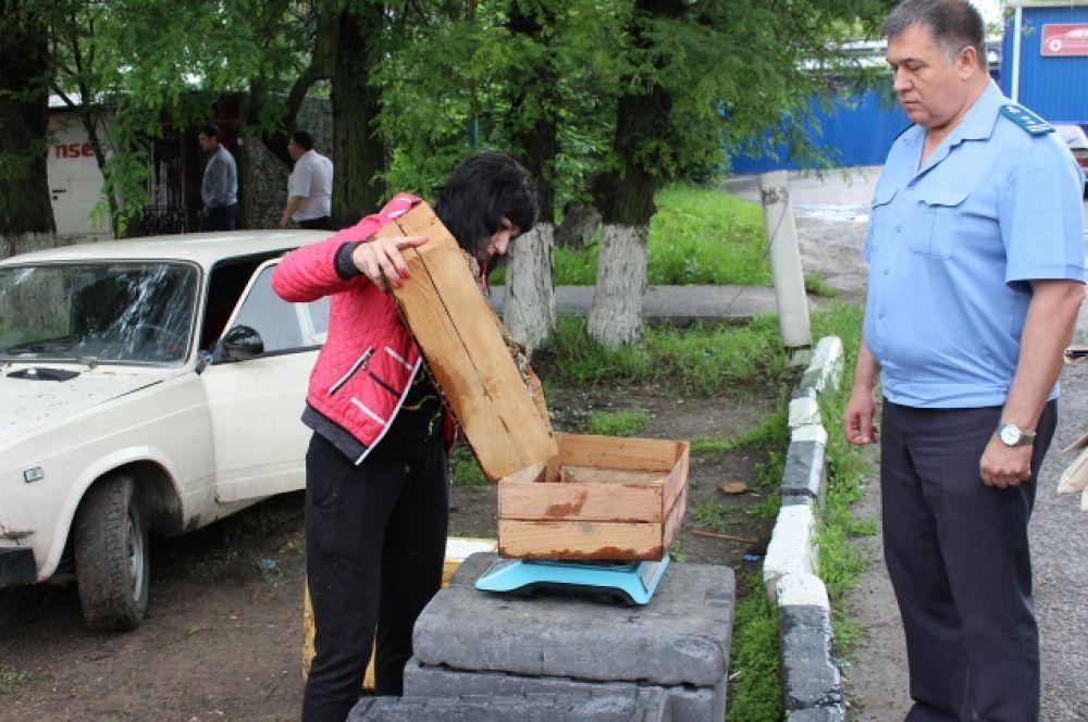 На улице 40-летия Победы гражданка Украины предлагала ростовчанам 20 кг живых раков.