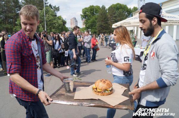 Участники креативили в оформлении своих блюд.