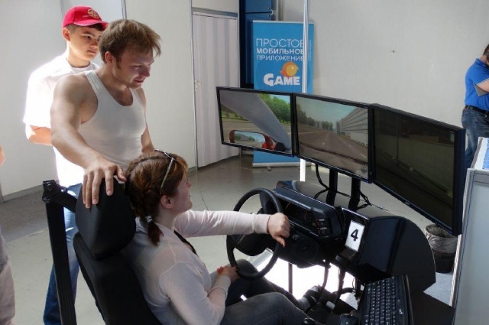 Тренажер для водителей от Ханты-Мансийского технолого-педагогического колледжа.