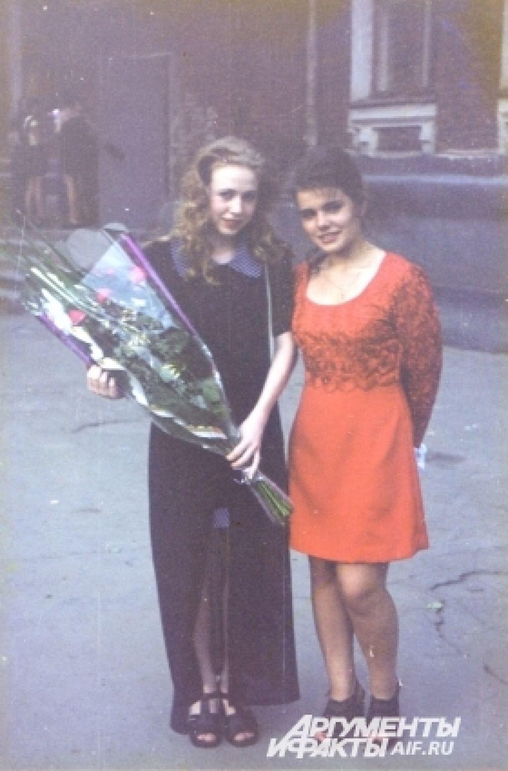 Выпускницы конца 90-х (1998 год), Казань.