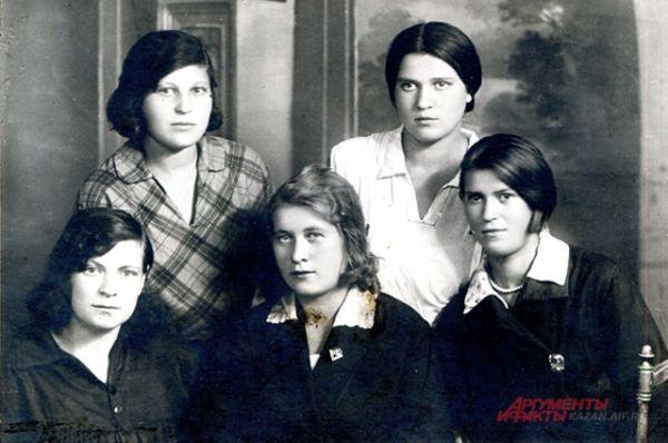 Выпускницы 30-х годов, Казань.