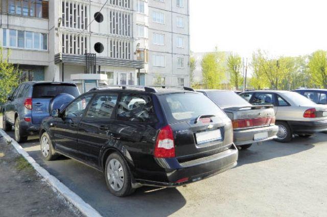 По поводу парковок есть решение гордумы, которое регулирует их размещение.
