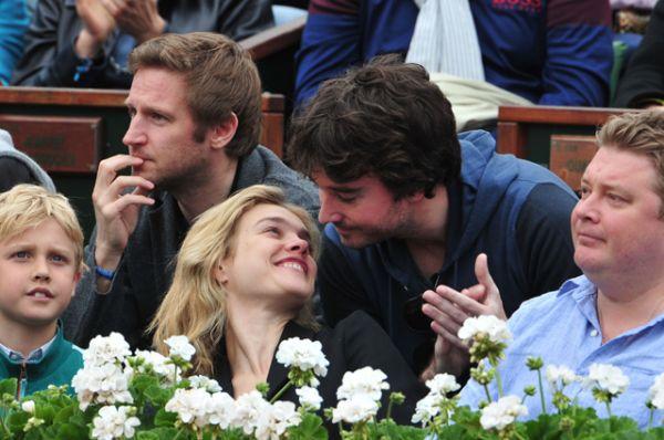 В 2010 году в СМИ появились сообщения о предстоящем разводе Водяновой и Портмана, а в июне 2011 года Водянова объявила, что супруги больше не живут вместе. Новым избранником супермодели стал французский миллиардер Антуан Арно.