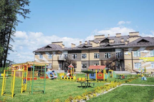 140 ребят будут ходить в новый садик в пос. Азинском.