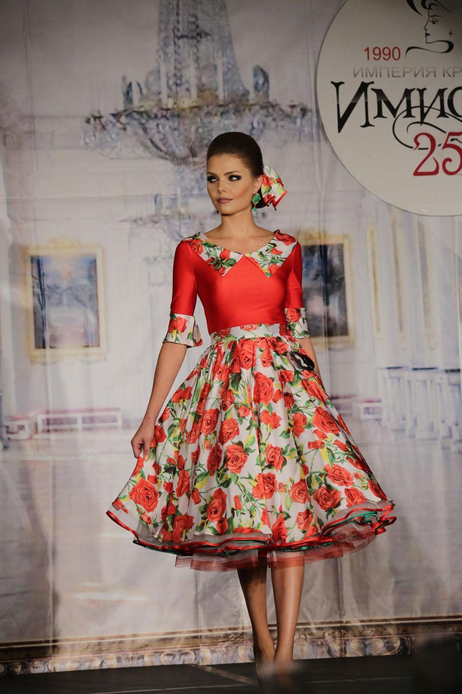 В ходе конкурса леди демонстрировали свои наряды и таланты.
