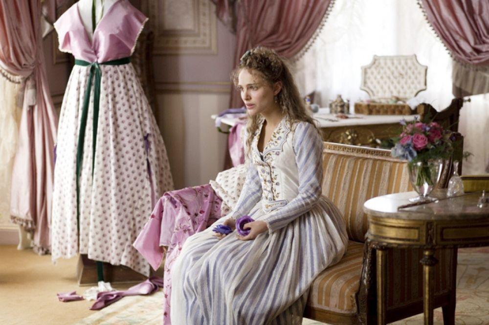 В конце 2006 года вышел фильм Милоша Формана «Призраки Гойи», где Портман появилась в роли Инес Бельбатуа, музы знаменитого испанского портретиста Франциско Гойи. До этого режиссёр не видел ни одной работы Натали, но заметил её сходство с девушкой на картине Гойи «Молочница из Бордо» и пригласил на съёмки.