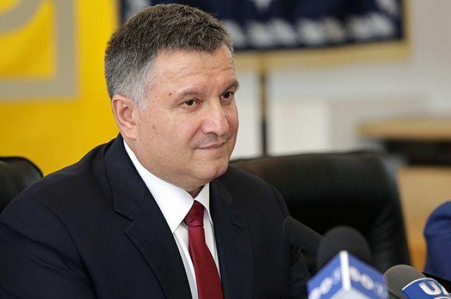 Руководитель МВД Украины— против народной милиции наДонбассе, предусмотренной Минском-2