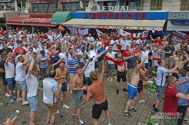 После потасовки  русских  ианглийских футбольных болельщиков вМарселе задержаны семь человек