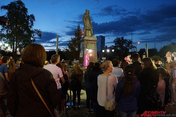 Как рассказали в пресс-службе полиции, на зрелищных мероприятиях в честь 293-летия города побывали около 100 тыс. горожан.