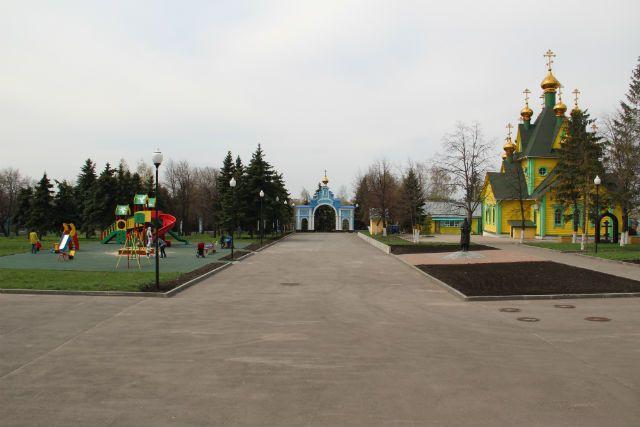 В центре Ульяновска установили памятный камень в честь Троицкого собора