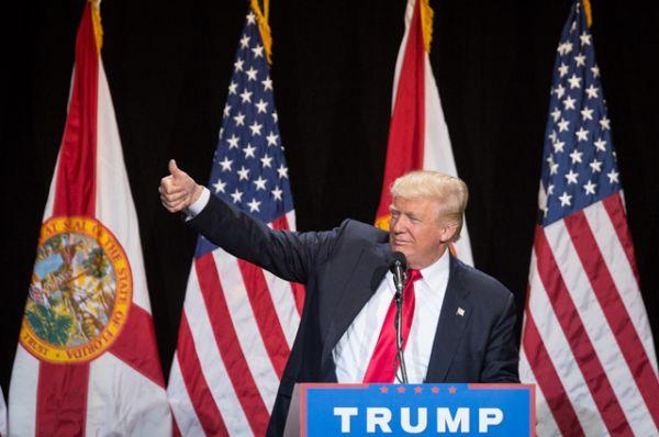 В 2015 году миллиардер выразил намерение баллотироваться на пост президента США от республиканцев, добавив при этом, что станет «величайшим президентом, когда-либо сотворённым Богом».