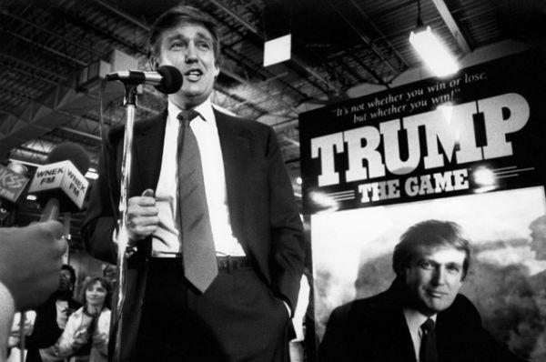 Трамп начал свою карьеру в компании отца и сначала сконцентрировался на области, которую тот предпочитал, — аренде домов для среднего класса в Бруклине, Куинсе и Статен-Айленде.