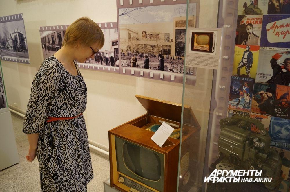 Телерадиолла 1962 года весила 45 кг и стоила 384 рубля.