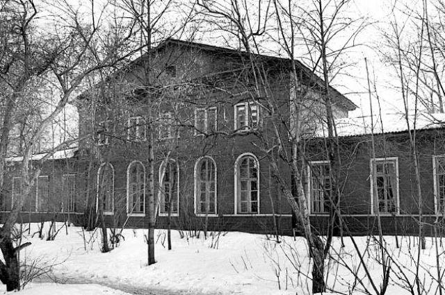 Пермская губернская земская управа, ныне - факультет иностранных языков ПГГПУ.