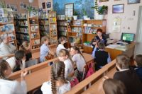 Такого солидного пополнения фонда школьная библиотека не видела несколько лет.