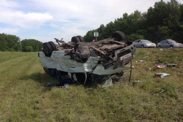 Аварию мог спровоцировать третий участник, о нём известно мало.