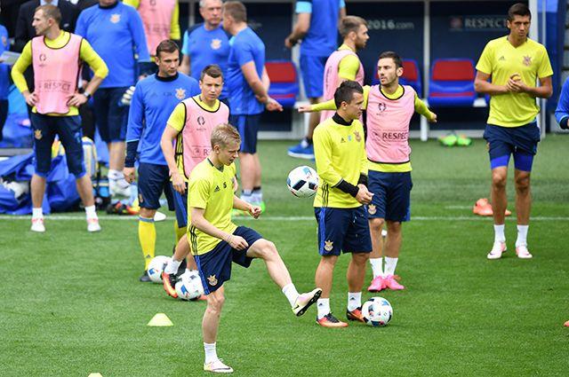 Тренировка сборной Украины по футболу на Евро-2016.