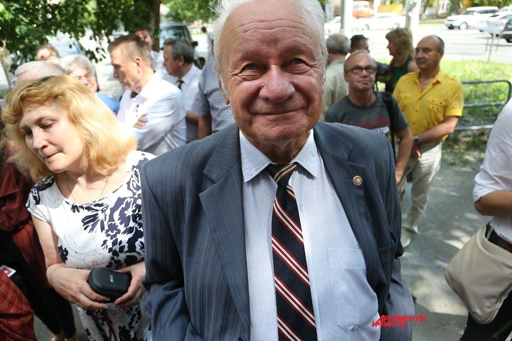 Евгений Ткаченко,председатель Челябинского городского фотоклуба