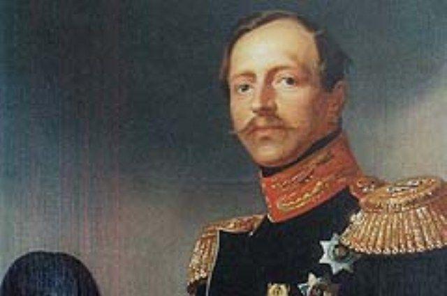 Принц оставил военную службу ради проведения реформ в других сферах жизни страны.