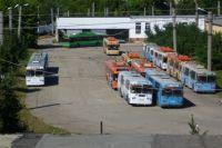Трамваи и троллейбусы в Саратове оказались обесточены из-за долгов.