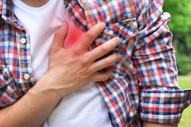 Инфаркт подстерегает даже молодого человека.