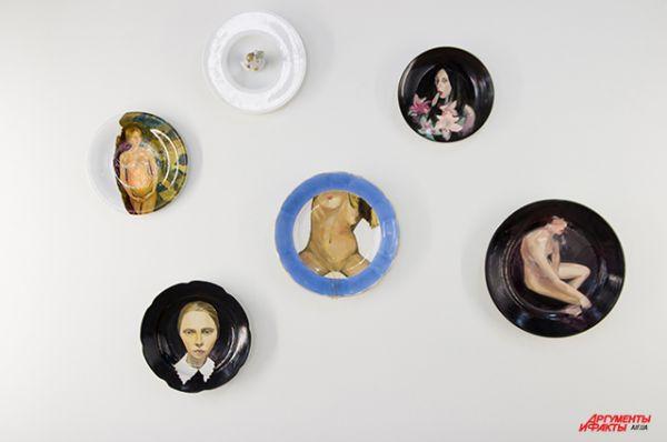 Почему бы не показать искусство на тарелках?