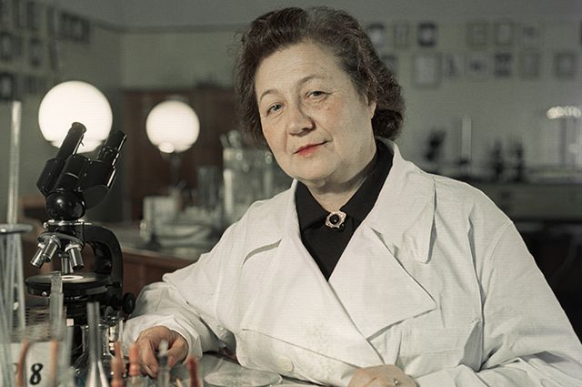 Профессор, микробиолог Зинаида Ермольева.