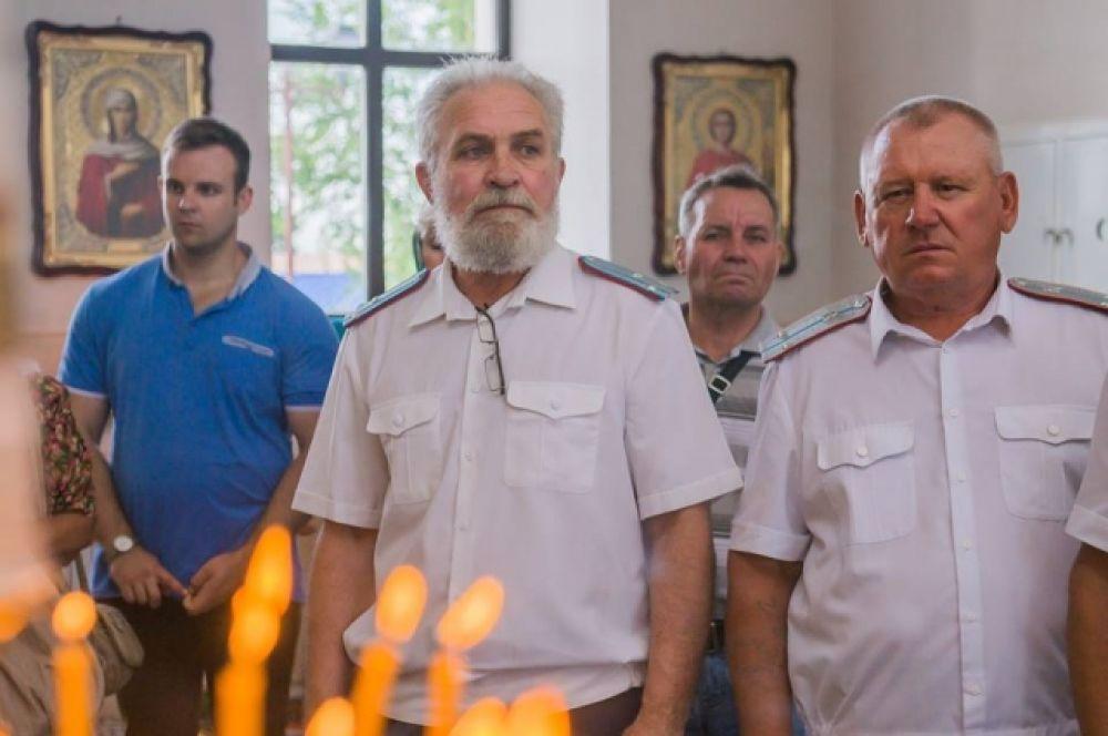 Среди них - представители казачества, как, например, атаман Волгодонского городского казачьего общества Владимир Бардаков.