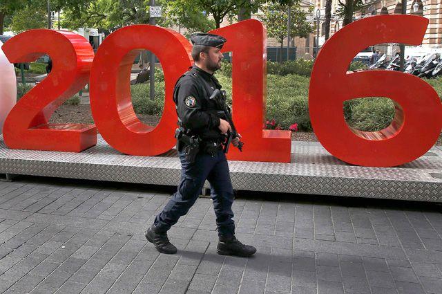 Полицейский в Тулузе.