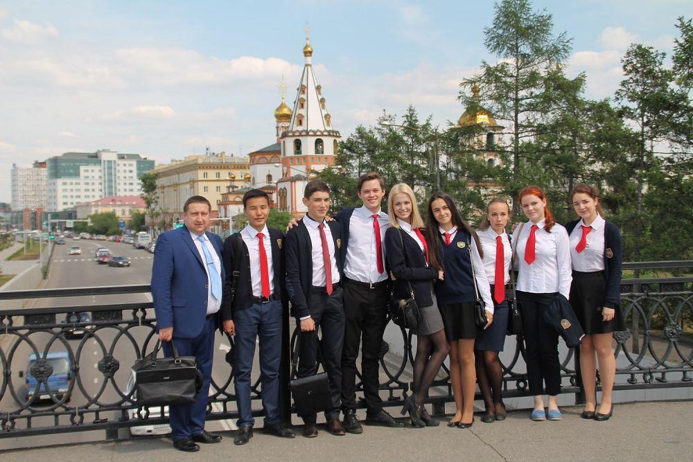 Самые талантливые выпускники иркутских школ с нетерпением ждали этого дня.