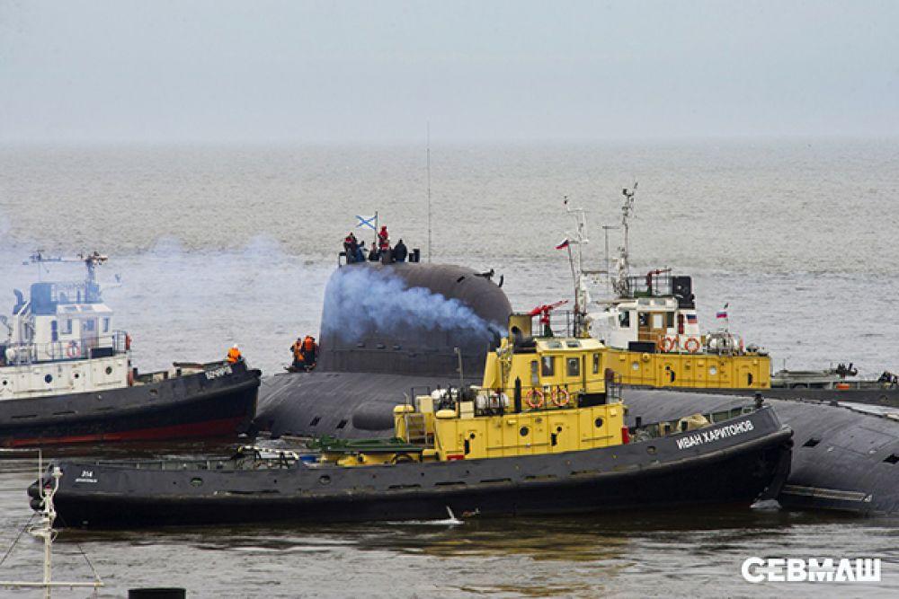 Диспетчеры воднотранспортного цеха обеспечивают выход каждого корабля, покидающего акваторию Севмаша.
