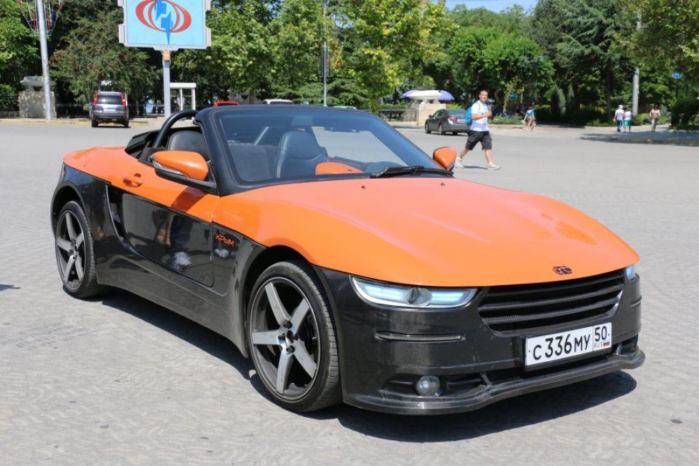 21 июня на площади имени Нахимова в Севастополе была представлена модель российского спортивного автомобиля – родстера «Крым».