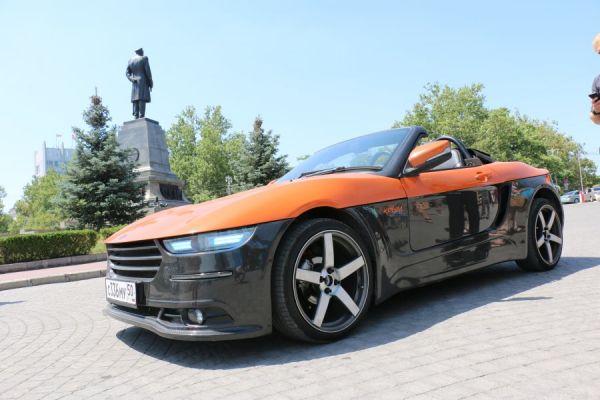 Как отметил куратор проекта Дмитрий Онищенко, идея проекта заключается в создании бюджетного молодежного спортивного автомобиля типа родстер с привлекательным внешним видом.